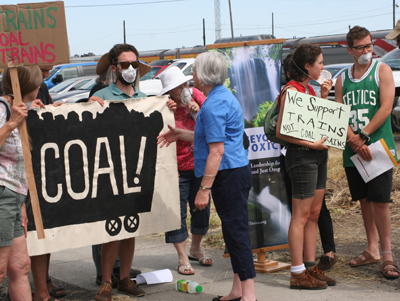 Beyond Toxics and No Coal Eugene talk to Mayor Piercy at Coal Protest