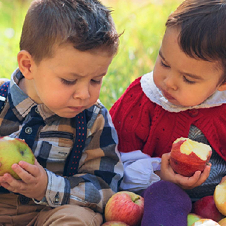 Kids_w_apples-BEST-CROP_600px