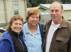 Lisa Arkin and Barbara and John Burns