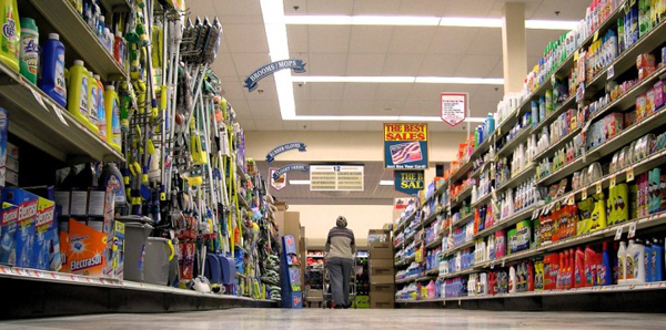 GroceryStore_LowAngle_ElizabethReisArticle_600px